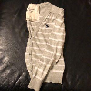 Crop button cardigan